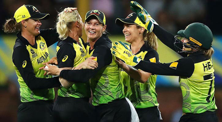 Australia into final after beating South Africa
