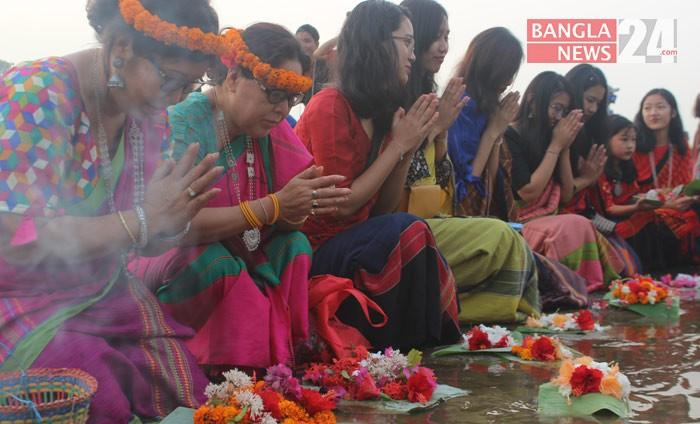 বৈসাবি উৎসবে পার্বত্য চট্টগ্রাম অঞ্চলের পাহাড়িরা। ছবি: বাংলানিউজ